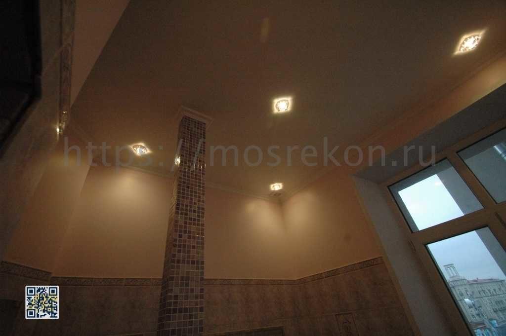 Отделка потолка под окраску со светильниками