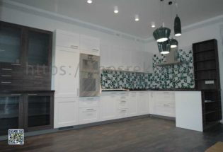Капитальный ремонт большой кухни в коттедже