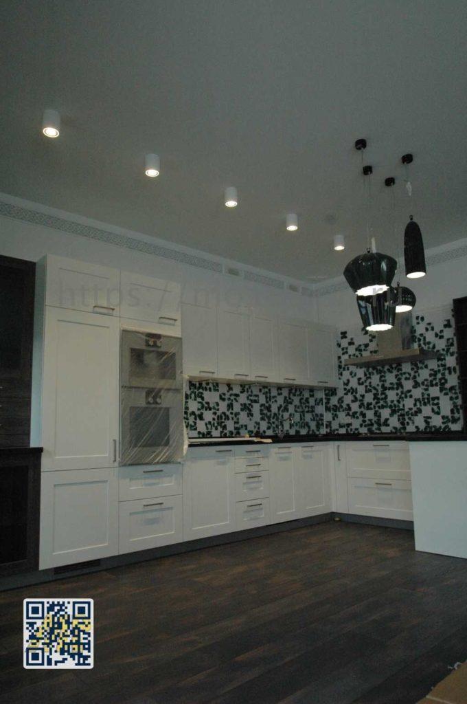 Элитный ремонт и отделка кухни в 3-х этажном таунхаусе