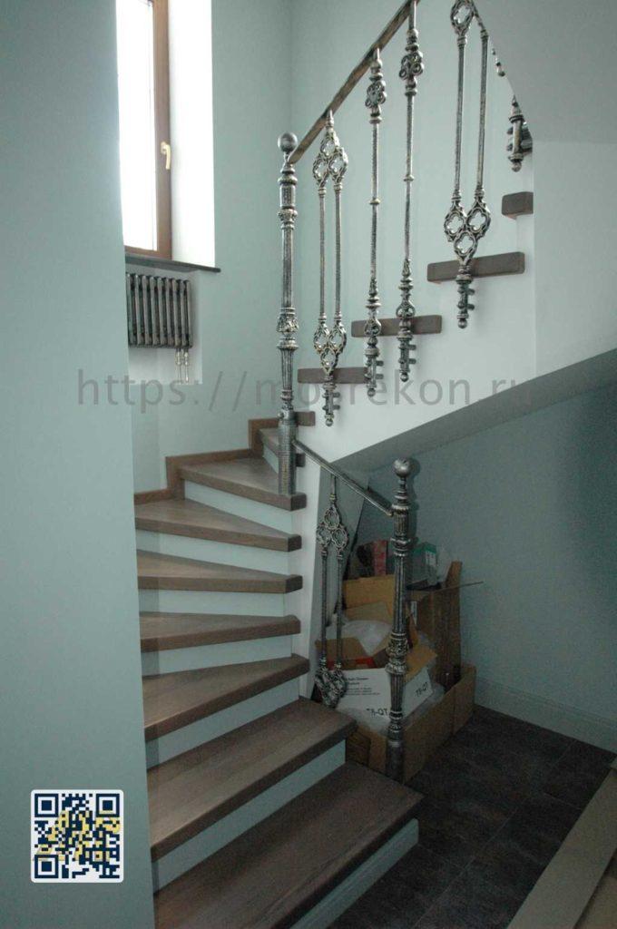 Фото монтаж дубовой лестницы