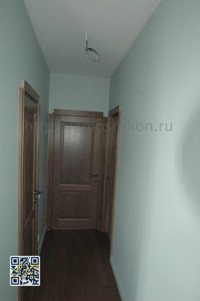Дизайнерский ремонт коридора в частном доме в Суханово