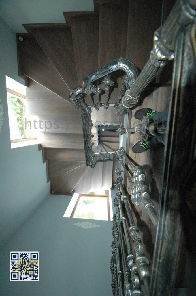 Кованная лестница с перилами фото Суханово