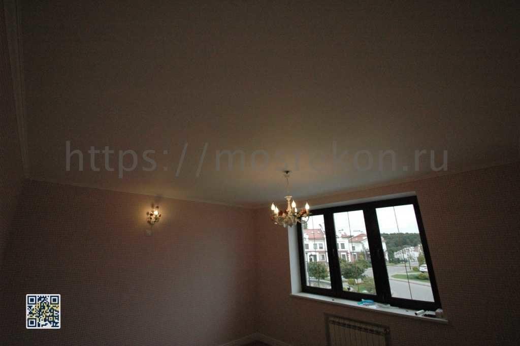 Подвесной потолок в таунхаусе фото
