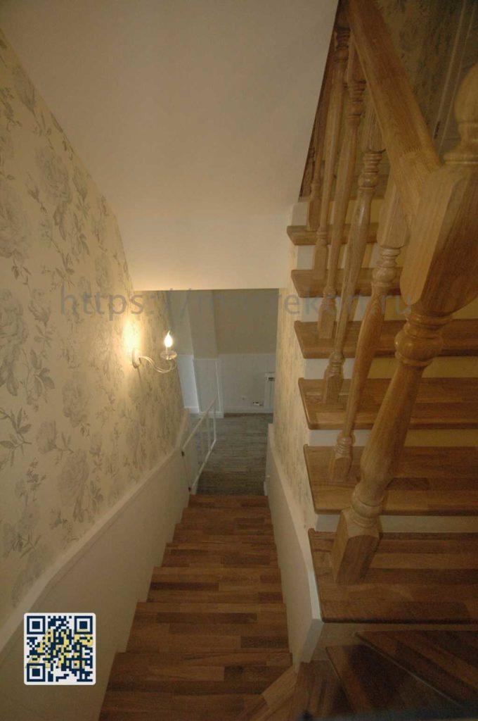 Установка деревянных балясин в частном доме