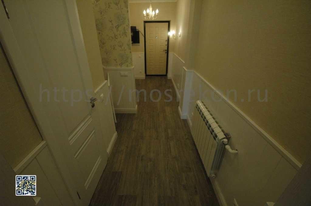 Установка дверей в прихожей в частном доме