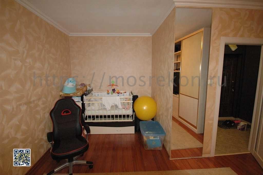 Отделка стен аод обои в панельном доме
