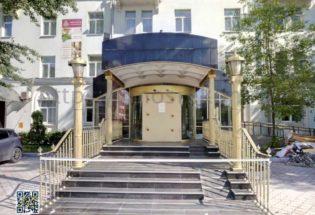 Реставрация гранита у входа в гостиници