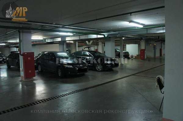 Окраска стен и потолков в подземной парковке на Покровке