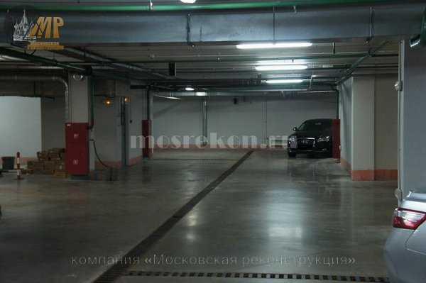 Окраска стен и потолков в подземной парковке 2500 м2 на Покровке
