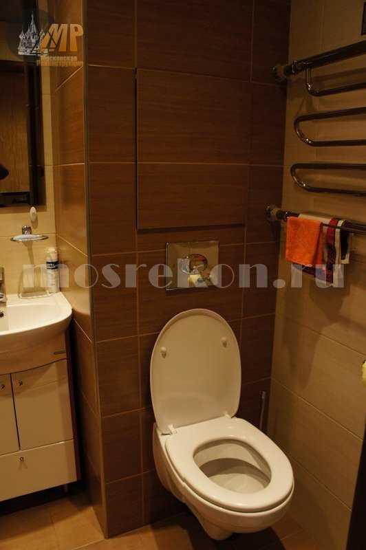 Установка подвестного унитаза в ванной на Сокольниках