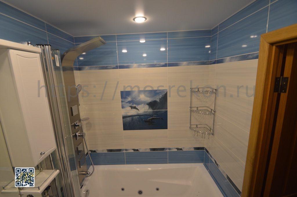 Монтаж белой ванны в Отрадном