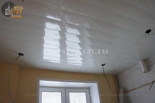 Реечный потолок на кухне в хрущевке