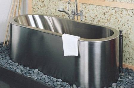 Стальная ванна необычное решение