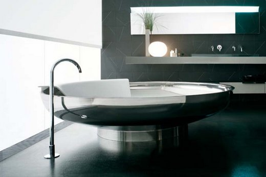Стальная ванна нестандартной формы