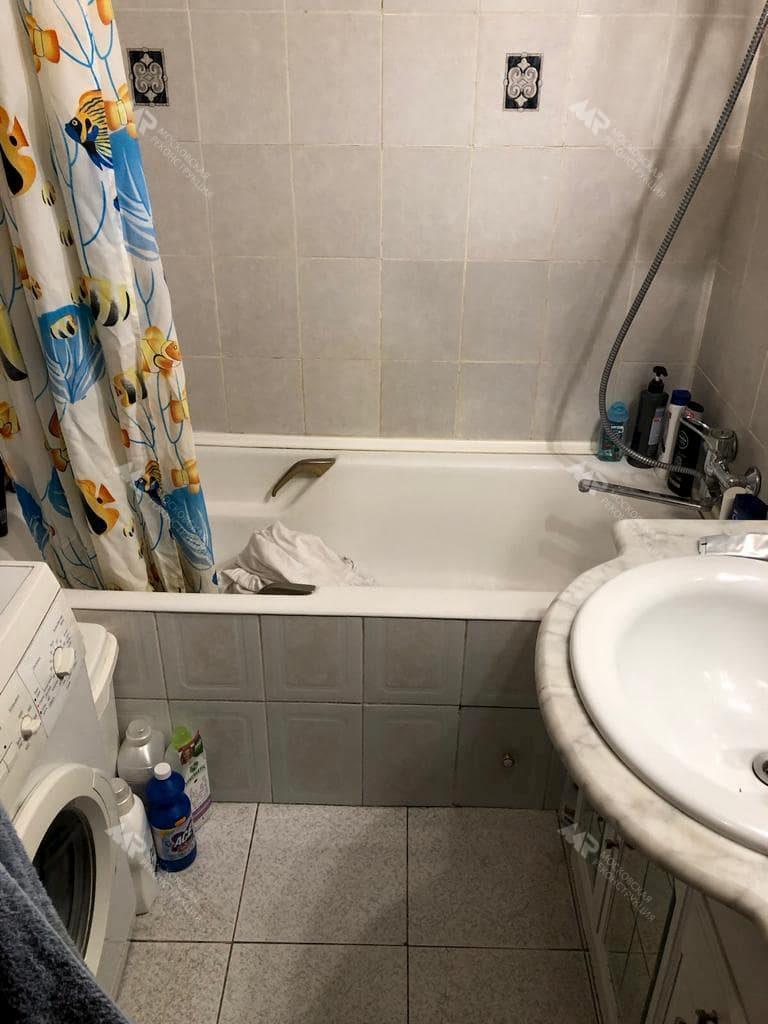 Старый ремонт в ванной комнате 2,25 м2
