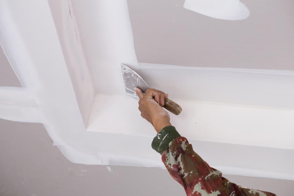 Штукатурка потолка своими руками — инструкция пошагово!