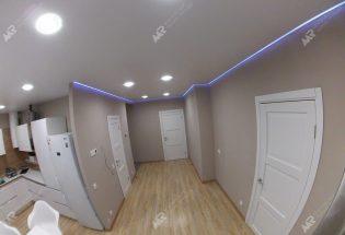 Красивый натяжной потолок светодиодный